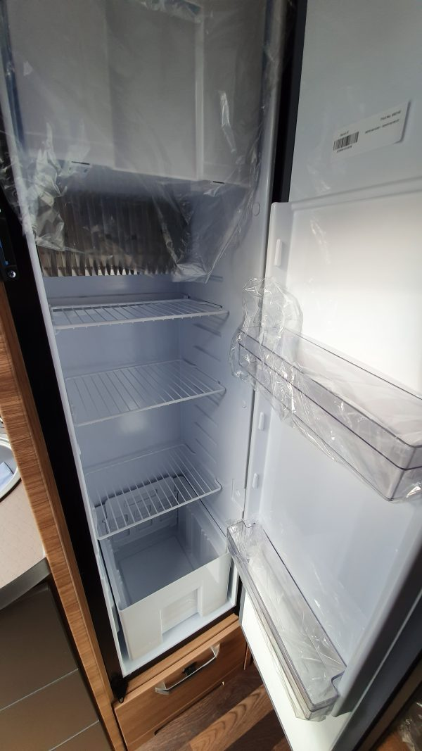 [category] Weinsberg CaraCompact 600 MF (Pepper)