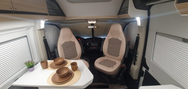 [category] Adria Twin Axess 600 SP