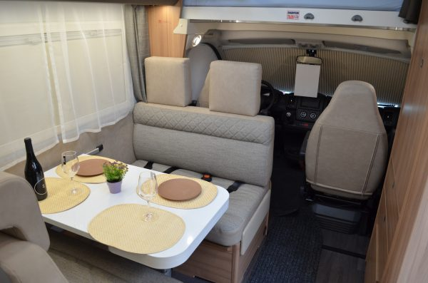 [category] Adria Coral XL Axess 600 DP